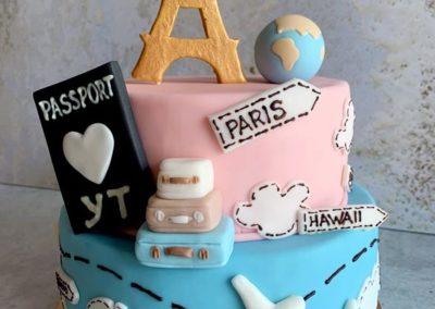 Tort Paris na specjalne zamówienie, idealny dla podróżnika - cukiernia Słodki Wentzl Kraków