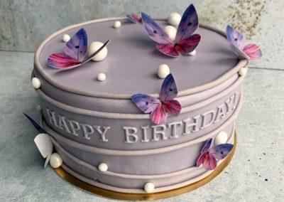 Tort urodzinowy na specjalne zamówienie z motylami - cukiernia Słodki Wentzl Kraków
