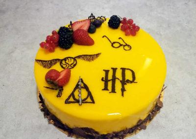 Tort urodzinowy Harry Potter na specjalne zamówienie - cukiernia Słodki Wentzl Kraków